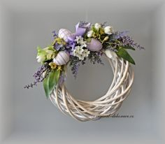 velikonoční věnce na dveře - Hledat Googlem Easter Projects, Easter Crafts, Diy Wreath, Grapevine Wreath, Easter Wreaths, Summer Wreath, Felt Flowers, Happy Easter, Happy Holidays