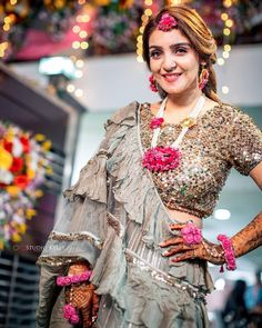 78) The style in a ruffle saree for the Mehendi ceremony! Floral Wedding, Bridal Jewelry, Bohemian, Indian, Jewellery, Brides, Style, Fashion, Swag