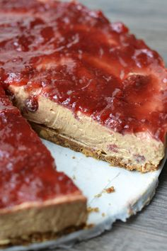 Video: Peanut butter and Jelly cheesecake - OhMyFoodness