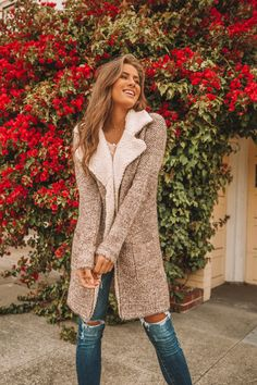 Long sleeve, shawl collar, textured, sherpa trimmed coatigan with two side pockets. Super cozy and perfect for chilly days. Casual Skirt Outfits, Simple Outfits, Boho Outfits, Affordable Boho Clothes, Boho Womens Clothing, Coatigan, Winter Outfits Women, Autumn Outfits, Autumn Winter Fashion