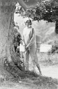 Diana Princess Of Wales - 1984 Diana At Cirencester Polo. The Match Was Perfect When A Fit Relaxed And Very Tanned Princess Diana Watched Her Husband Playing Polo Yesterday. Her Stylish Culottes Were The Same Colour As The Prince's Team Shirt. Diana Princess Diana 28 Jun 1984