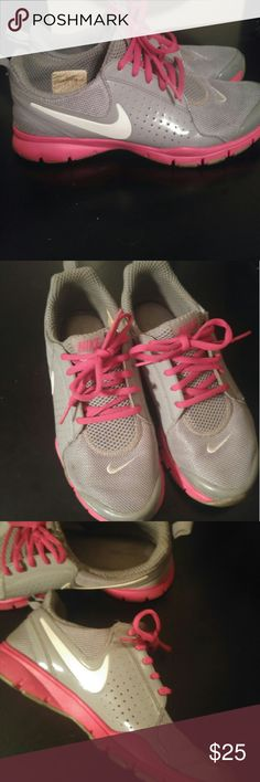 🎀Nike running shoes only worn at gym inside🎀 Pink and grey nike shoes clean soles in great condition I only wore them inside at the gym padded on the inside super comfy. No rips, or scratches size 7 Nike Shoes Athletic Shoes
