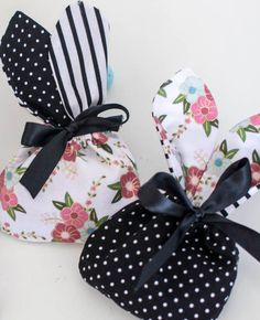 Show Off Saturday: Bunny Treat Bags! — SewCanShe   Free Sewing Patterns for Beginners