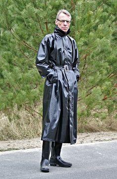 Mackintosh Raincoat, Latex Men, Motorcycle Suit, Rubber Raincoats, Wellies Boots, Pvc Raincoat, Rain Gear, Menswear, Mens Fashion