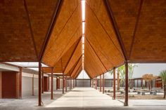 c733, Rafael Gamo · Matamoros Market · Divisare Passive Cooling, Civil Construction, Design Strategy, Prefab, Skylight, Contemporary Architecture, Case Study, Facade, Mexico