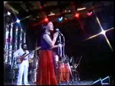 Elis Regina canta Trem Azul num especial da TV Record exibido em 30/12/1981. É uma das últimas aparições da Elis. O Trem Azul Coisas que a gente se esquece d...