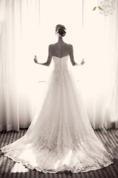 A must have picture for every bride!! This one will also depend on the absolute right lighting.