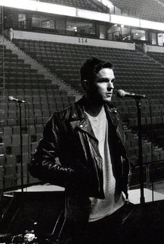 Image shared by Find images and videos about beautiful, sexy and black and white on We Heart It - the app to get lost in what you love. Brandon Flowers, Love Band, Cool Bands, Mr Brightside, Nevada Homes, Las Vegas, Most Beautiful Man, Body Mods, My Flower