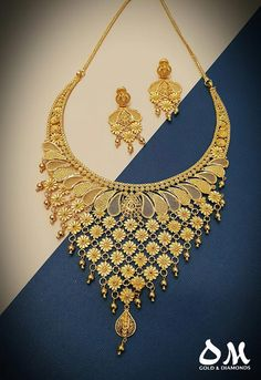 A classic piece that will make her go WOW! 💟💟Take home today and pay later with Interest Free Finance upto 36 months. Gold Bangles Design, Gold Earrings Designs, Gold Jewellery Design, Necklace Designs, Handmade Jewellery, Bridal Jewellery, Dubai Gold Jewelry, Gold Jewelry Simple, Mehndi Designs