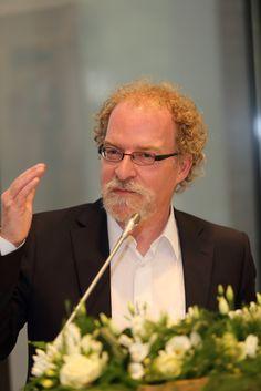 juni 2014 - voordracht uit eigen werk tijdens afscheidsreceptie van de burgemeester van Voerendaal, dhr. Ed Sprokkel ; in de raadszaal van het Gemeentehuis Voerendaal