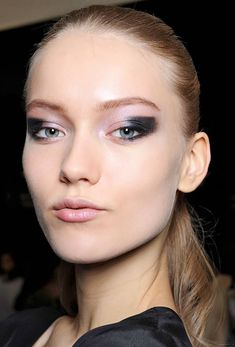 From the best foundations, contouring tips, powders and more, we've got you covered in the face makeup department. New Years Eve Makeup, Nye Party, Best Foundation, Makeup Inspiration, Face Makeup, Make Up, Scream, Beauty, Makeup
