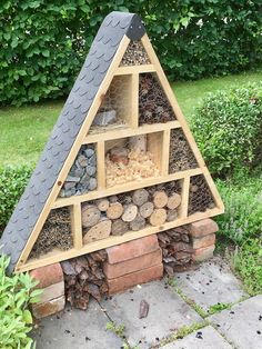 Project Ideas, Projects, Firewood, Butterfly, Storage, Garden, Tips, Crafts, Log Projects
