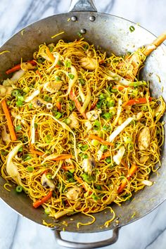 This Chicken Chow Mein tastes just like takeout, and comes together in one skillet in 30 minutes! The easy sauce uses pantry staples to boot. Meat Recipes, Asian Recipes, Dinner Recipes, Ethnic Recipes, Asian Foods, Chinese Recipes, Noodle Recipes, Chinese Food, Dinner Ideas