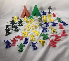 VINTAGE Lot of 54 SMALL Plastic Mini Army Men Cowboys & Indians figures Rinco + #varius