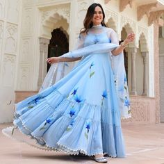 Party Wear Indian Dresses, Indian Gowns Dresses, Dress Indian Style, Indian Fashion Dresses, Indian Wedding Outfits, Indian Designer Outfits, Girls Fashion Clothes, Indian Outfits, Stylish Dresses For Girls