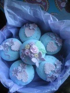 cupcakes in lavender and aquamarine