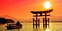 Miyajima: Planning An Amazing Trip To Japan, But Not Sure Where To Go? - UNESCO World Heritage site, Itsukushima Shrine (the famous floating torii gate) Photo Japon, Japan Photo, China Vacation, Japan Holidays, Torii Gate, Miyajima, Okayama, Vacation Packages, Japan Travel