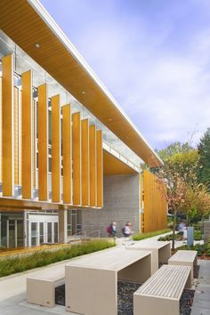 York House Senior School / Acton Ostry Architects - Learning Spaces - Exterior/Outside - [post_tags Architecture Design, University Architecture, Education Architecture, School Architecture, Water Architecture, Building Architecture, School Building Design, School Design, Design Exterior