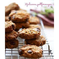 Low FODMAP cookies with carrot, dark chocolate and walnuts Low Fodmap, Carrots, Gluten Free, James Bond, Healthy Recipes, Cookies, Chocolate, Vegan, Desserts