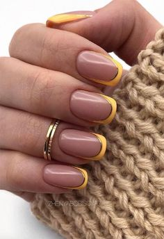 Sweater Nails Design Rings Brown French Square Nails + Khaki Sweater Sweater weather takes on new meaning with this cozy-chic nail trend. Minimalist Nails, Cute Nail Designs, Acrylic Nail Designs, French Tip Nail Designs, Acrylic Art, French Nails, French Manicures, Color French Manicure, Yellow Nail Art