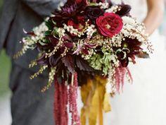 Herbstlicher Hochzeitsstrauß in Pflaume – Tollwasblumenmachen.de