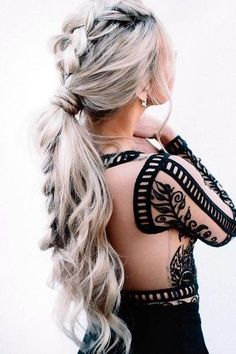Chunky Pony - New Year's Eve Hairstyles Perfect for the Biggest Party of the Year - Photos #braidedhairstyles