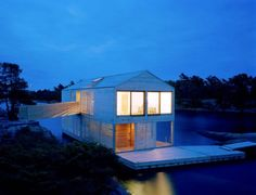 Casa galleggiante in Canada