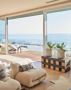 Beach Interior Design, Dream Home Design, House Design, Small Beach Houses, Malibu Beach House, Malibu Homes, Surf House, Malibu Beaches, Florida Home