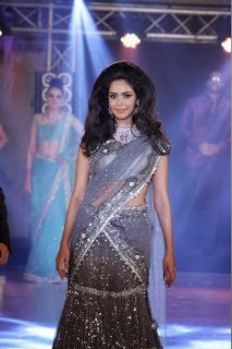 Mallika Sherawat at India Bullion and Jewellery Awards 2013.