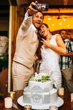 Gotta get that wedding selfie!!