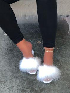 Black Heels, Black Sandals, Cute Slides, Cute Sandals, White Fur, Size Model, How To Wear, Shoes, Captions