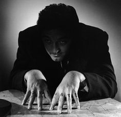 Portrait of Robert Mitchum for The Night of the hunter directed by Charles Laughton, 1955