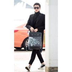 .  Sehun and Suho are heading to Paris for Fashion Week ~ ❣  .  .   @oohsehun   #EXO #ohsehun #sehun #세훈 #世勋