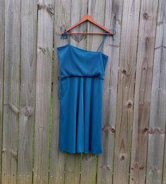 M L XL Medium Extra Large Vintage 70s Asymmetrical Shoulder
