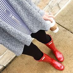 Kendra Scott & red hunter boots