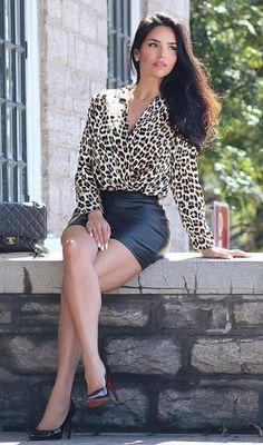 Fashion Poses, Girl Fashion, Womens Fashion, Women With Beautiful Legs, You Are Beautiful, Sexy Legs And Heels, Sexy High Heels, Sexy Feet, Sexy Blouse