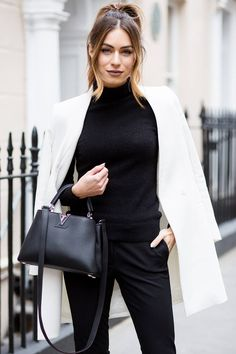 Winter is to Look Awesome: 10 Outfits to Try in 2018 - Stylishwife Casual Chic, Smart Casual, Office Fashion, Work Fashion, Fashion Outfits, White Fashion, Style Fashion, Lydia Elise Millen, Look Office