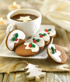 Galletitas decoradas con adornos navideños