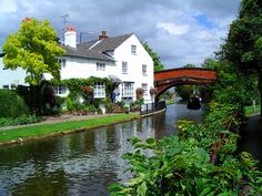 Canal Guide - Bridgewater Canal: at Lymm Warrington Canal Holidays, Bridgewater Canal, Canal Boat, Slow Travel, Narrowboat, England Uk, British Isles, Great Britain, Mansions