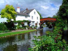 Bridgewater canal, Lymm, Cheshire. 3 or 4 night break from Anderton Marina.