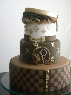Bolo Louis Vuitton by A de Açúcar Bolos Artísticos, via Flickr