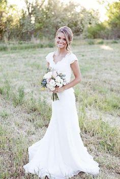 2015 neue Ankunfts-Chiffon- Hochzeits-Kleider mit Ärmel V-Ausschnitt-Hüllen-weiße Spitze-Hochzeits-Kleid-Brautkleid-Gewohnheit stellen Spring Garden