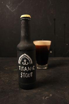 ¿Por qué se debe tomar una #cerveza #Stout en este tipo de vaso? | Descubre por qué en curiositybeer.com
