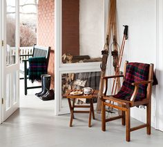 The season in between Christmas and the arrival of spring is an awkward time for outdoor decorating, but the Scandinavians have perfectedan outdoor look we love — natural elements,warm texturesand mod accents. With a few simple additions, your front stoop or cottage deck will be feeling Nordic in no time.
