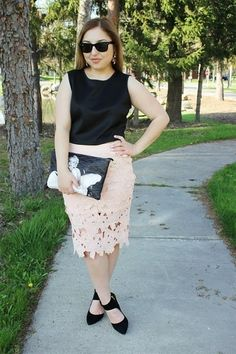 Ruya, the blogger at Sweet, Short & Stylish, shares her summer outfit on ExtraExtravagant.com.