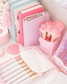 Com kawaii shop ❤ : photo more aesthetic pastel pink Beauty Brushes, Makeup Brushes, Makeup Tools, Everything Pink, Pink Love, Pink Pink Pink, Blush Pink, Pretty Pastel, Pastel Colors