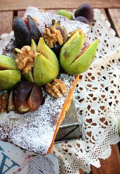 Frittomisto: cucina ed emozioni: Plum cake di famiglia con fichi, noci e ricotta... profumi e sapori di infanzia