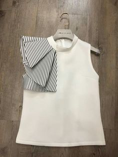 Stylish Dresses For Girls, Dresses Kids Girl, Kids Outfits, Girls Dresses Sewing, Kids Frocks Design, Baby Frocks Designs, Baby Dress Design, Frock Design, Fashion Sewing