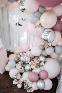 30 Awesome Balloons Decor Ideas for Your Upcoming Party Birthday Room Decorations, Balloon Decorations Party, Balloon Garland, 13th Birthday Parties, Birthday Party For Teens, 19th Birthday, Teen Girl Birthday, Cocktail Party Themes, 5 April