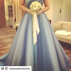 おはようございます✨😍BeautyBrideでご紹介可能な人気ショップ、#ラレンヌ から、新作のブルーのミックス#カラードレス がレンタル可能に💖😳 こ、これは、マスト試着😍💕 * ❊………❋……♫ ご試着予約•ご相談は.  @beautybride_weddingdress *☎︎0120-511-530 *  BeautyBrideを通じて、ドレスショップを予約すると、持ち込み料負担やスペシャル割引など、お得にレンタルできる特典も♡ #ドレス試着 *  #Repost @dresssalonlareine with @repostapp ・・・ * * 新作のカラードレスは、コーディネーターから絶賛の声! イタリアンチュールの絶妙なカラーバランスが#大人花嫁 にも是非オススメしたい! * 寒色系のブルーだけど、チュールならではのエアリーならではのニュアンスが素敵なドレスです! * 人気爆発の予想です♪ * #お色直し #ウェディングドレス #カラードレス #ドレス試着 #ドレス迷子 #プレ花嫁 #ナチュラルウェディング #ガーデンウェディング #大人婚…